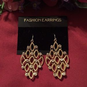 4/$30- Erica Lyons Gold tone Rhinestone Earrings